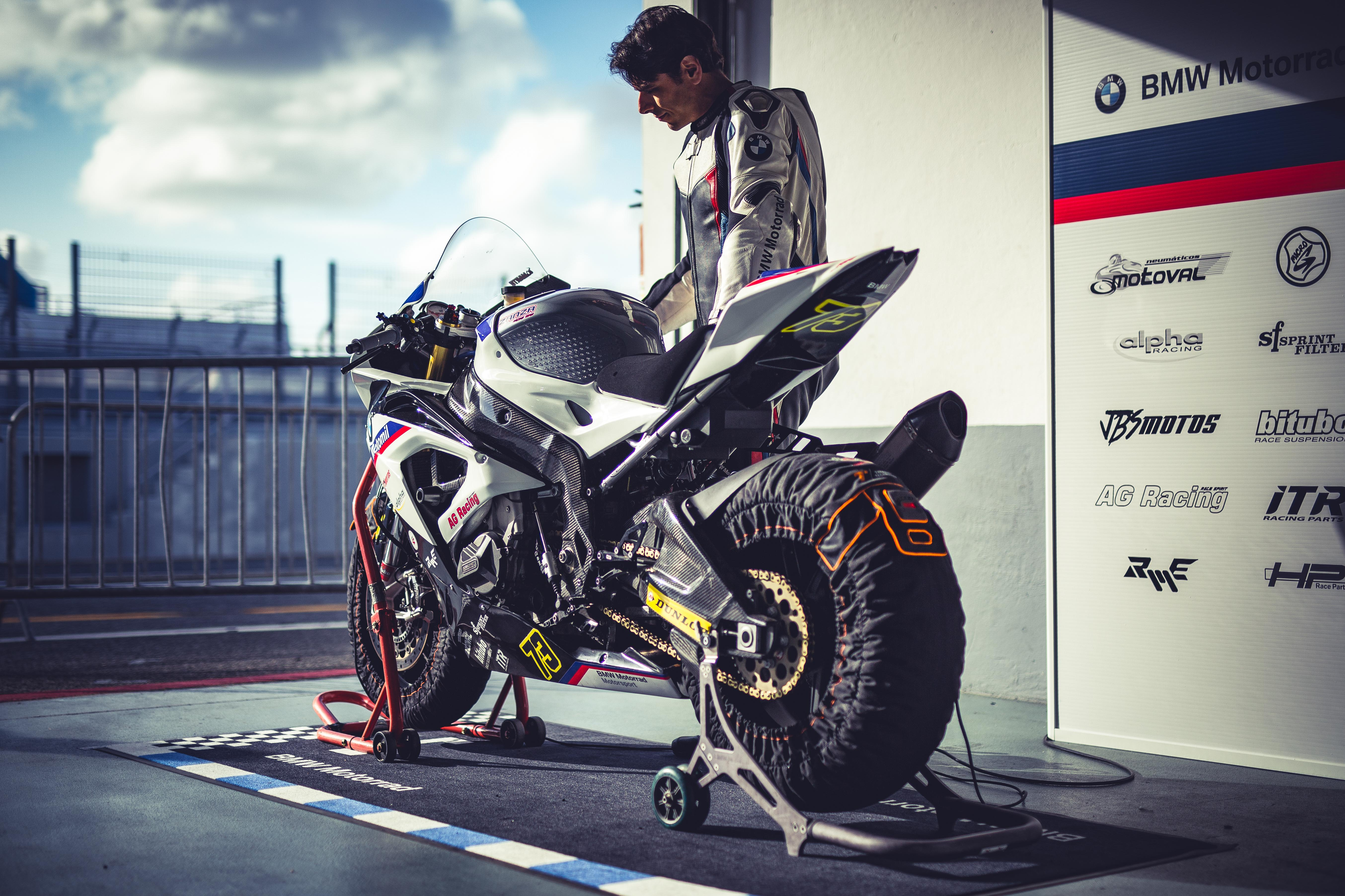 BMW MOTORRAD PT RACING TEAM